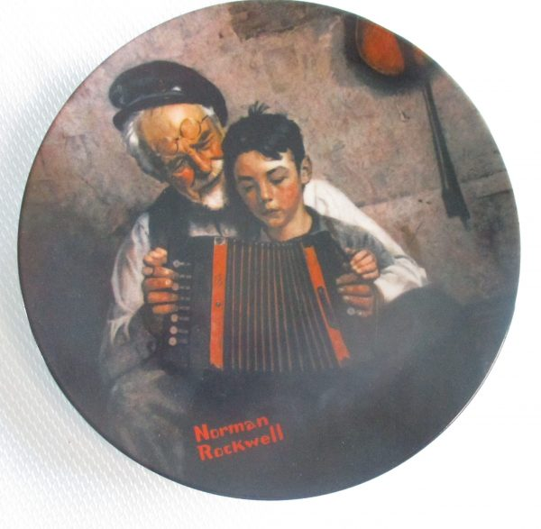 MUSIC MAKER COLLECTORS PLATE